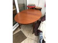Extending dining table ... good condition.. free to collector