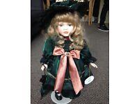 3 x Leonardo collection dolls