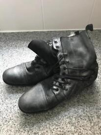 Men's river island boots size 44