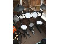 Alesis DM5 Electric Drum-Kit - £250