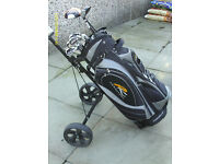 MENS RIGHT HAND GOLF CLUBS WITH TROLLEY