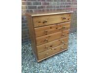 Pine chest of drawers.