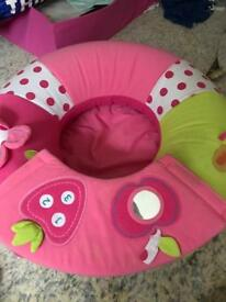 Baby sit up chair