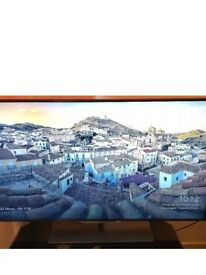 """SMART TV PHILLIPS 46 """". LED. CAMERA. 2 FACES RC. 3D GLASSES INCLUDED. EXCELLENT CONDITION"""