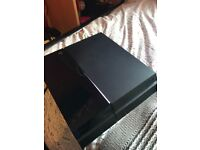 Ps4 500gb, with 2 controllers and five games!
