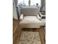 Cream love chairs