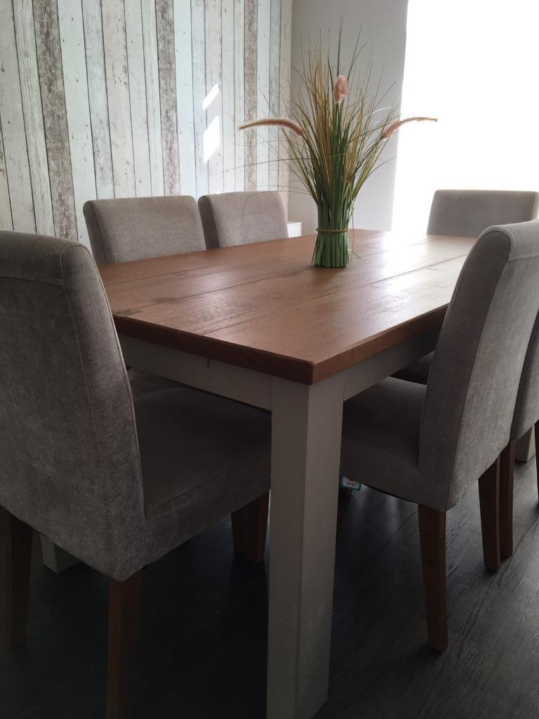 6-8 extendable dining table NO CHAIRS