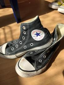 Black child's converse size 12