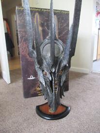 United Cutlery: UC1412 Sauron Helm - Limited Edition (2967/3000)