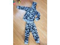 Age 4 army tracksuit