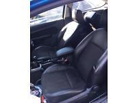 Ford Focus titanium half leather interior