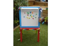 Childrens Easel (whiteboard/blackboard) in excellent condition