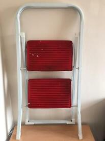 Foldable 2 steps ladder, quick sale at only£15, no time wasters please