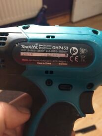 1 month old makita still with 2 batterys