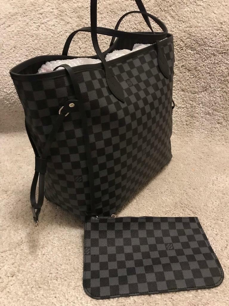0c7626a5e22e Louis Vuitton bag for sale!!