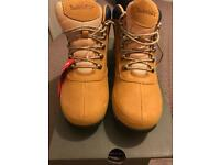 Men's size 7 timberland boots brand new