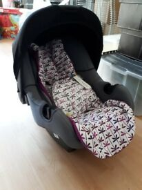 Mothercare baby car seat with bnwt Mamas and Papas head hugger. Suitable for up to 13.5kg.