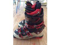 Solomon Quest 8 Ski boots - size 11 - custom comfort
