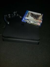 Playstation 4 500gb with 2 x call of duty games, contoller, mic and charger cable.
