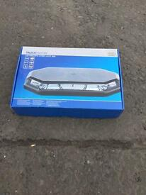 12v LED MAGNETIC FLASHING ROOF BEACON, BRAND NEW IN BOX!! PLUG IN!!