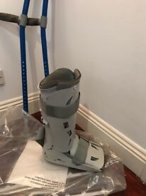Walking Boot Size Large (Aircast)& Crutches for leg injury