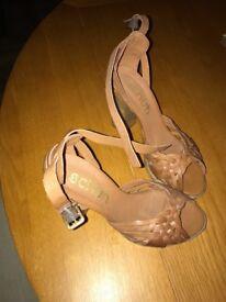 Tan block heal ladies shoes (schuh)