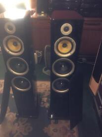 Pair tibo tower speakers