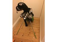 REDUCED PRICE: Set of mostly CALLAWAY golf clubs and a bag- all in good condition!