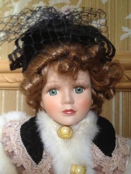 porzellan puppe im viktorianischen stil in brandenburg potsdam ebay kleinanzeigen. Black Bedroom Furniture Sets. Home Design Ideas