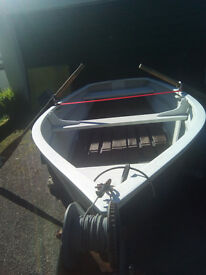 Boat with Trailer and outboard 4HP