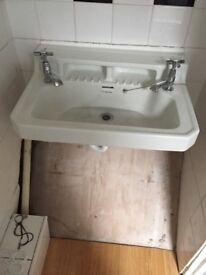 Old fashioned armitage basin