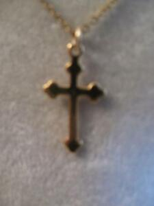 GORGEOUS OLD VINTAGE 17in.ULTRA-FINE GOLDTONE CHAIN with CROSS