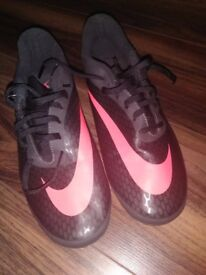 Nike football shoes 7.5uk/42eur