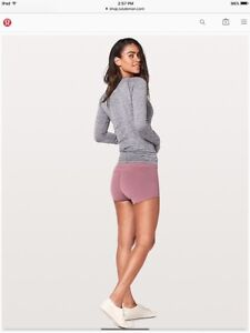 Lululemon Size 2 In Movement Short, Garnet Color, New