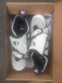 Pearl Izumi size 7.5 with cleats