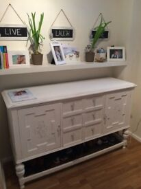 Shabby chic sideboard white