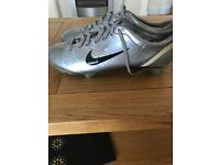 Very Rare Nike Mercurial Vapor Football Boots In Chrome. Size 10