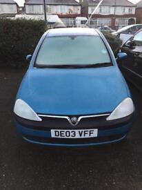 Vauxhall Corsa £695