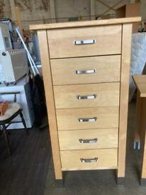 Tall kitchen drawers t