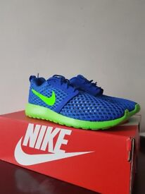 Nike Roshe One Flight Weight Racer Blue/Electric Green trainers, size 6 UK  BRAND