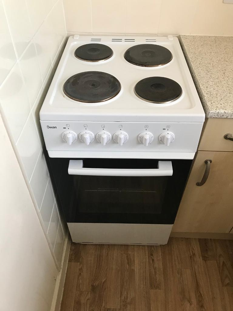 Swan electric 4 hob oven