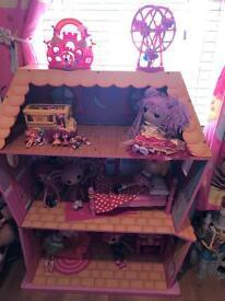 Lalaloopsy Magic Sew Dolls House and Dolls