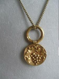 "BEAUTIFUL VINTAGE 30"" GOLDTONE PENDANT NECKLACE [GRAPE DESIGN]"