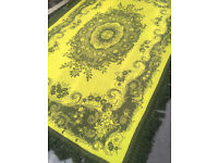 Large green rug with fringed edge, size 170cm x 250cm. In good condition. free local delivery..