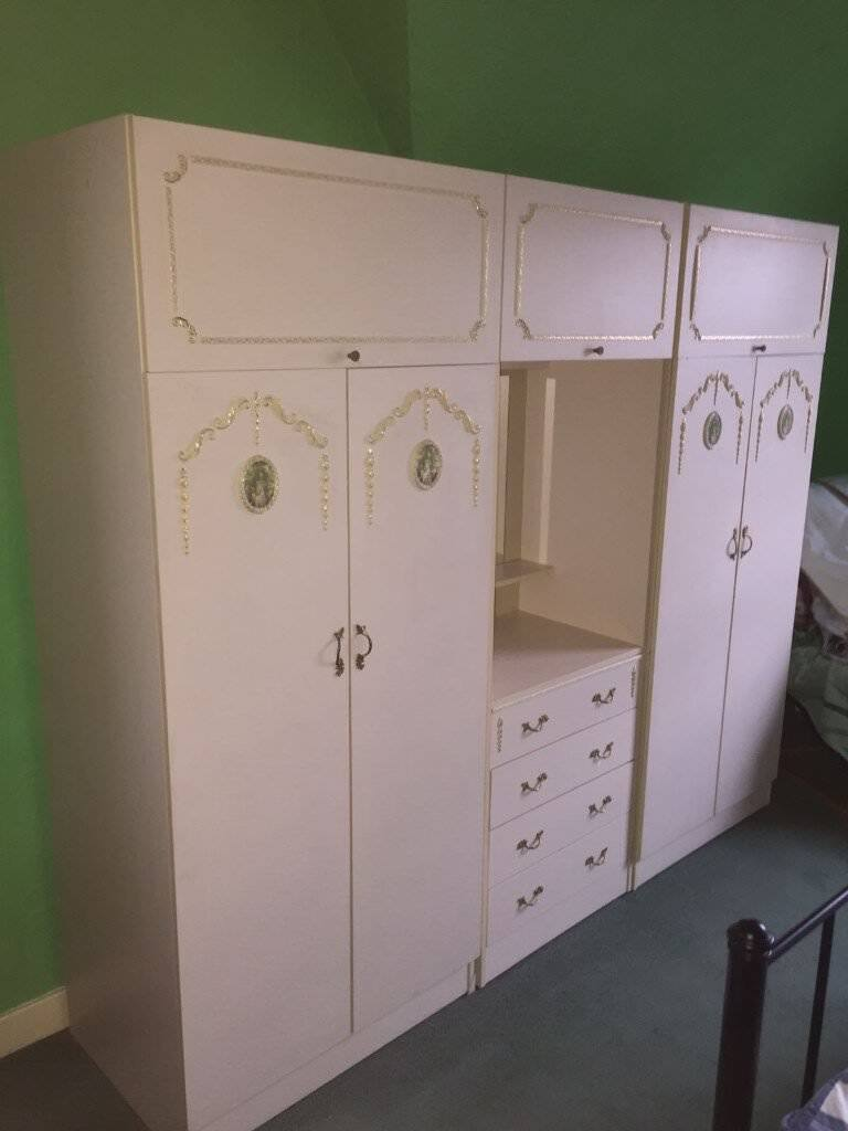 quality design 648a0 d3161 Beautiful Large Cream Wardrobe and dressing table with mouldings.   in  Bathgate, West Lothian   Gumtree