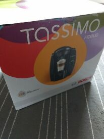 REDUCED NEW BOXED TASSIMO FIDELIA COFFEE MACHINE INCLUDES £20 OF VOUCHERS