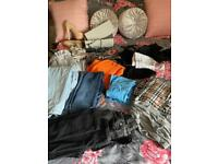 Woman's bundle clothes 8 and 5