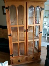 Mexican pine unit / cabinet