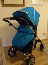 Silver Cross Pram Pushchair Carrycot Pioneer in Sky Blue (excellent condition)