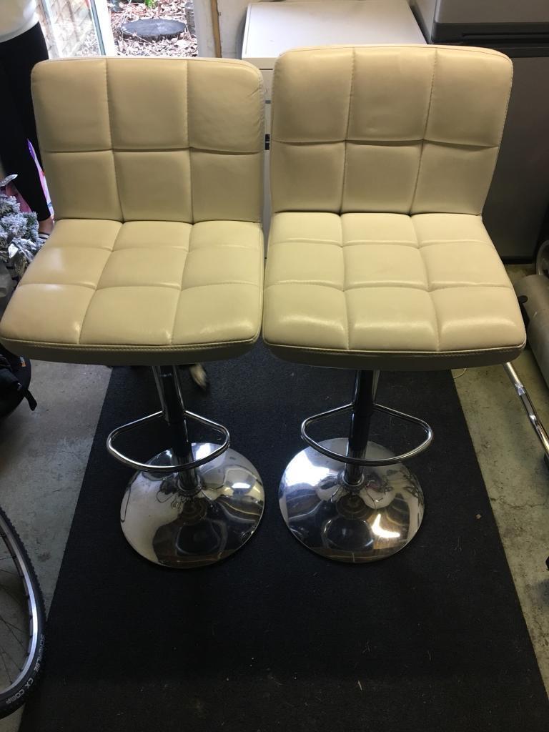 Bar stool/ Breakfast bar chairs